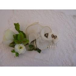 Peigne de cérémonie grosse fleur deux dentelles ivoire cœur strass – ruban dentelle ivoire fleur bronze et perle
