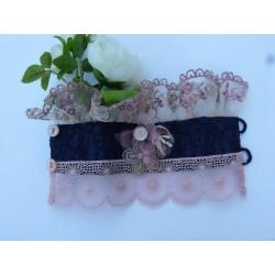 Manchette volanté tissus marine incrusté noir dentelle beige et rose